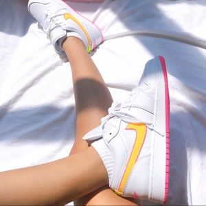 Air jordan 1 low edge glow